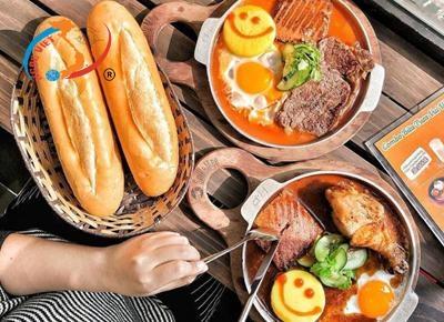 Bánh mì chảo: Món ăn yêu thích của du khách tại Hà Nội